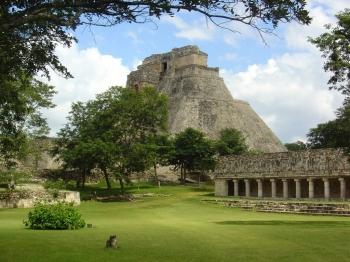 Ушмаль - древний город майя