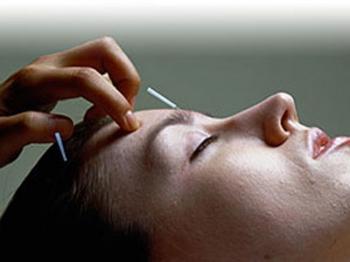 Лечение кожных болезней и иглоукалывание